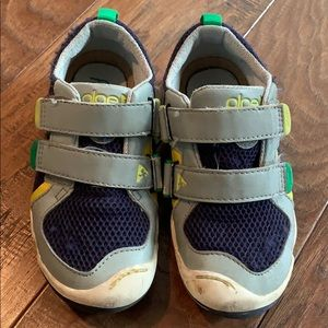 Size 12 Boys Plae Shoes